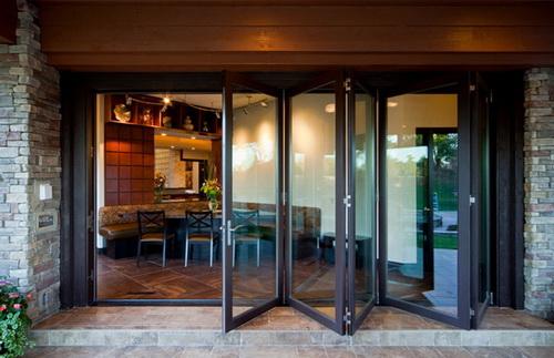ฮวงจุ้ยประตูบ้าน เปิดรับความร่ำรวยแบบจัดหนักจัดเต็ม