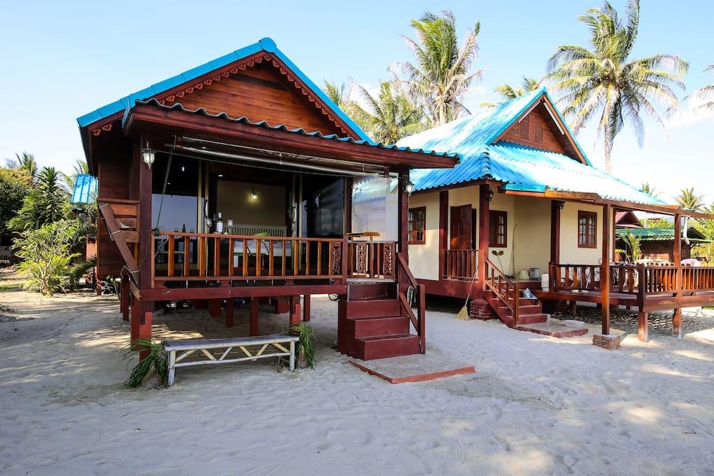 บ้านไม้ยกพื้นริมหาดบนเกาะพะงัน สัมผัสความเย็นลมทะเล